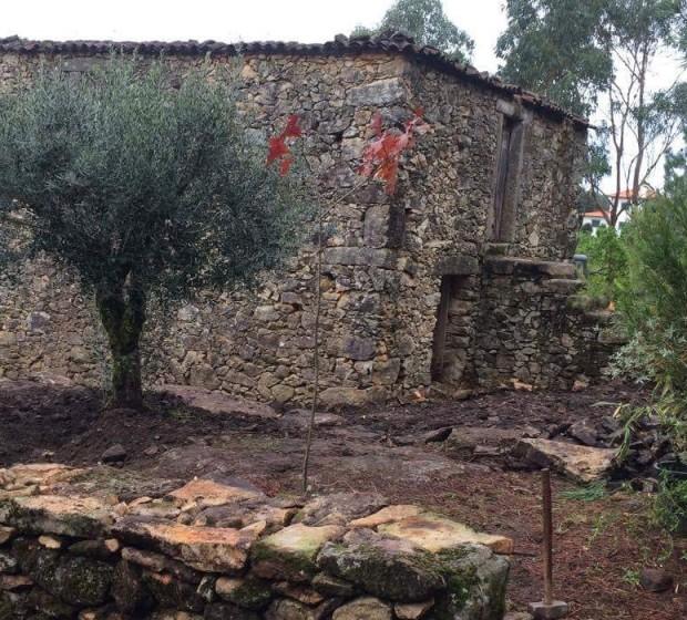rsv103 moradia em reconstrução Abertura
