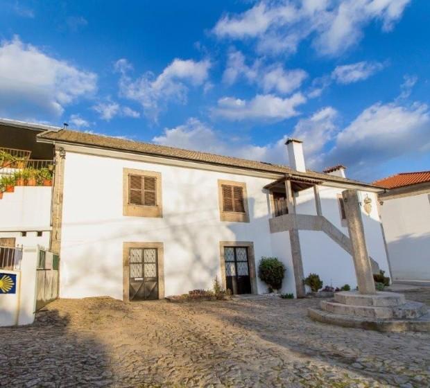 rsv77 Prédio Histórico T4+1 -Casa de Albergaria 1