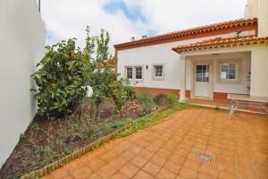 rsv38 Moradia em condomínio com piscina 1a